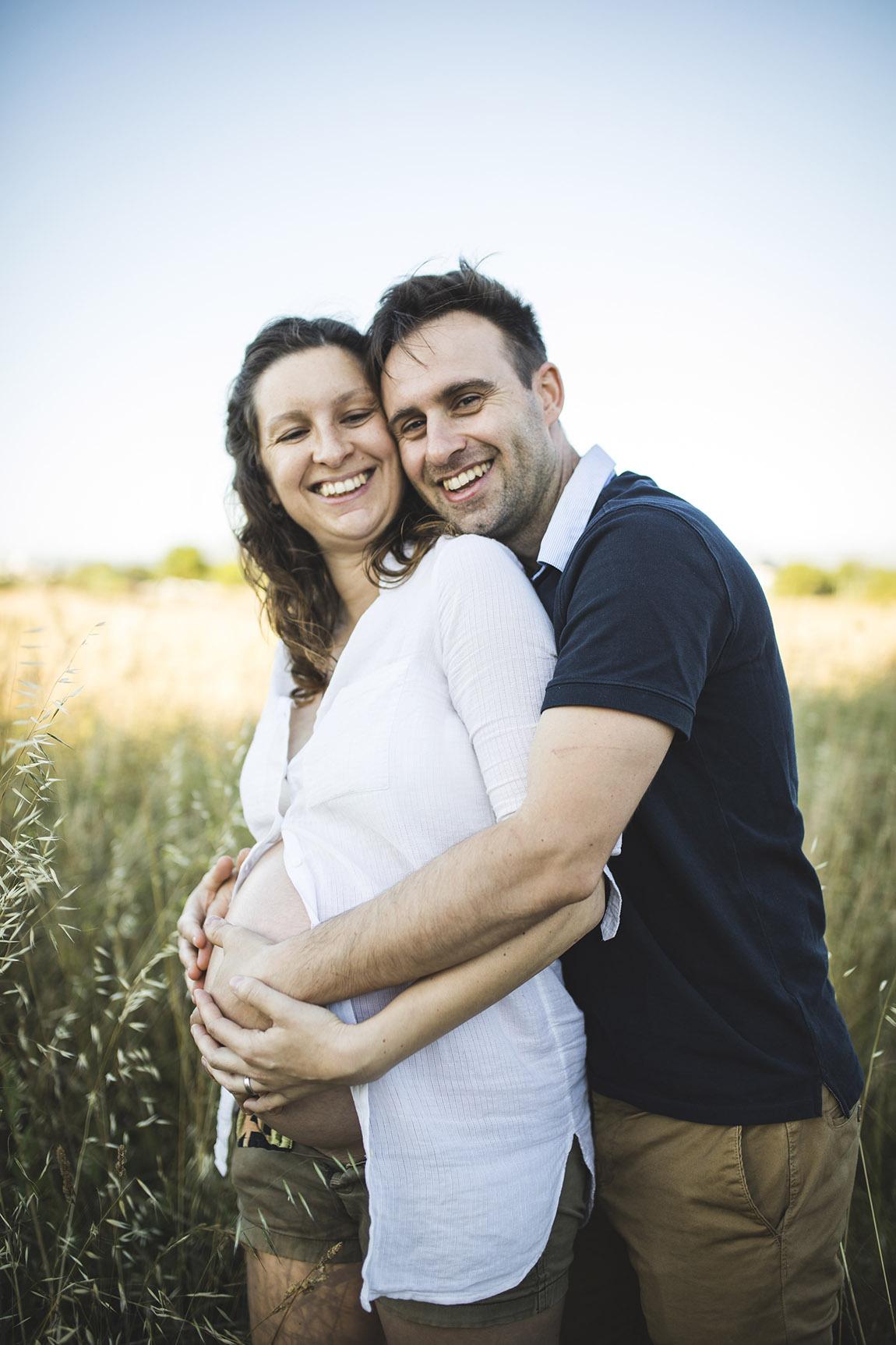 fotografía de embarazo con bebé